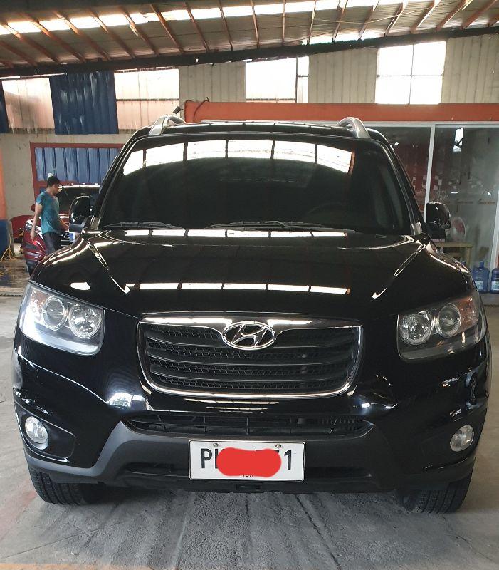 2010 Hyundai Grand Santa Fe