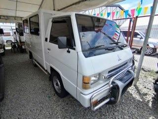 2011 Mitsubishi L300