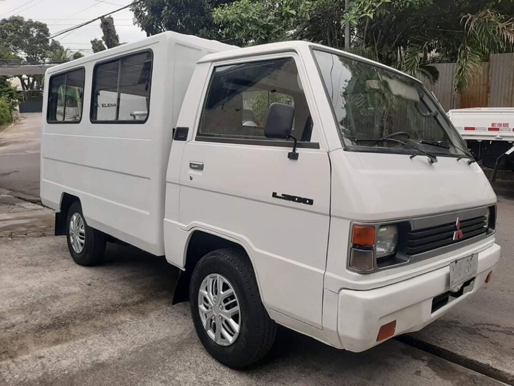 2004 Mitsubishi L300