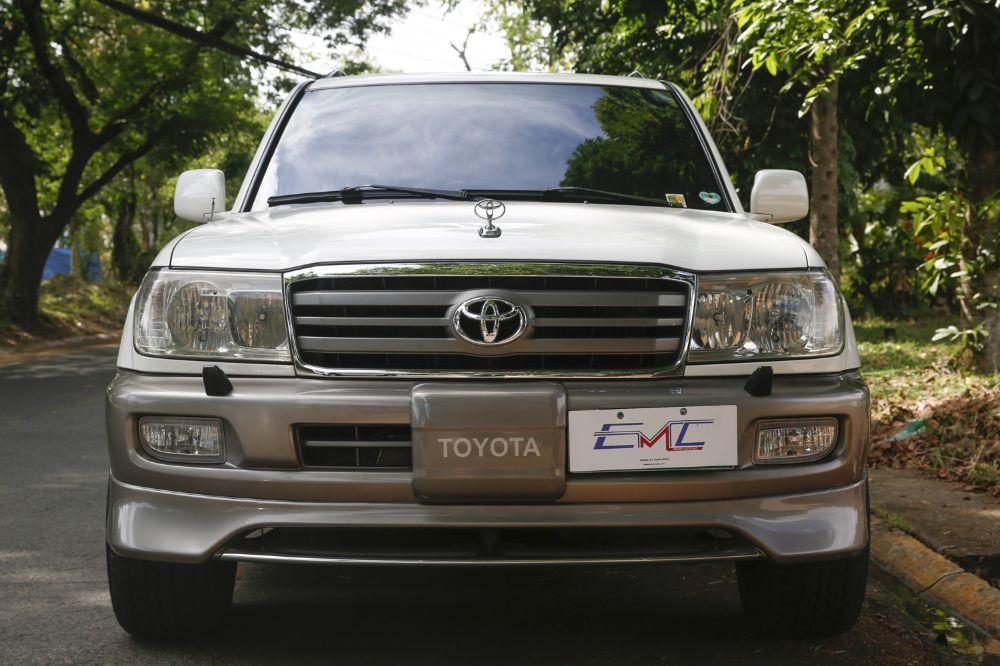 2005 Toyota Land Cruiser 200