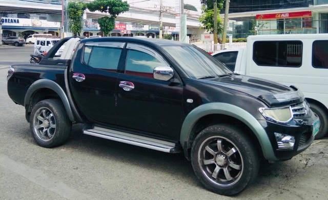 2010 Mitsubishi Strada