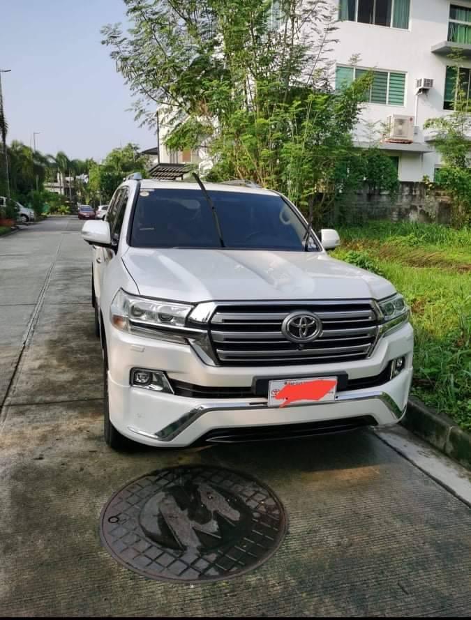 2017 Toyota Land Cruiser 200