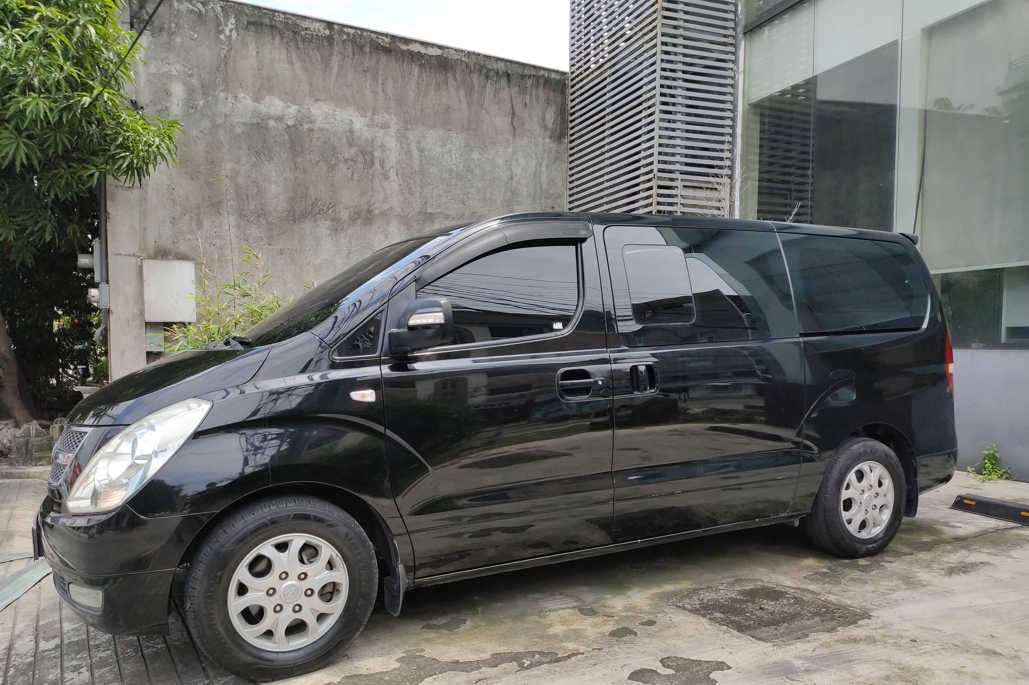 2012 Hyundai Grand Starex