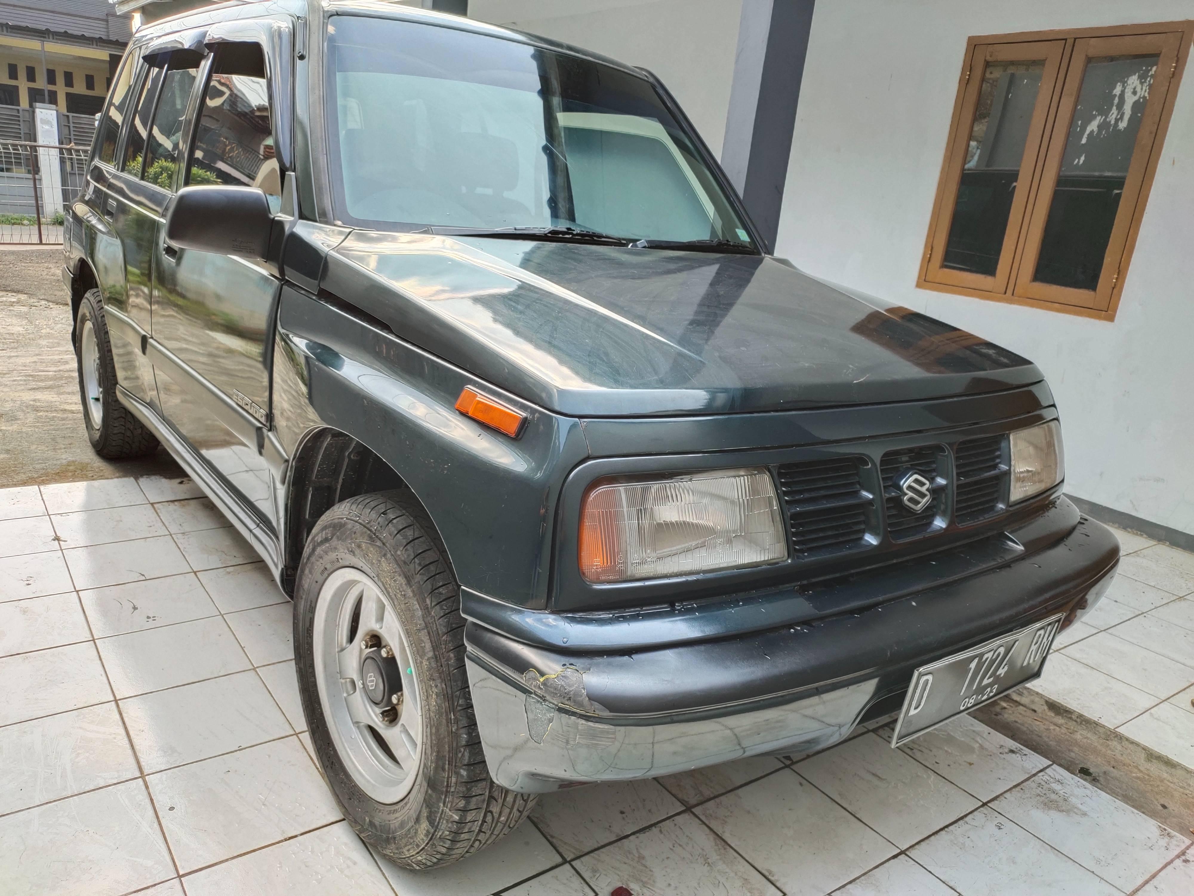 2000 Suzuki Escudo