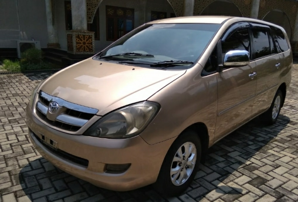 2004 Toyota Kijang Innova